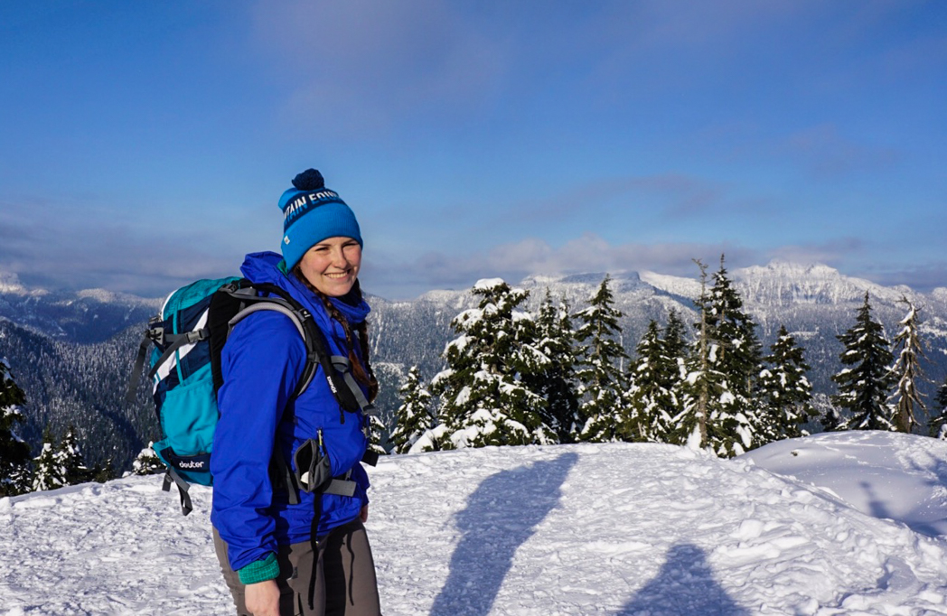 ea2fe026a3eb What to wear for winter hiking and snowshoeing