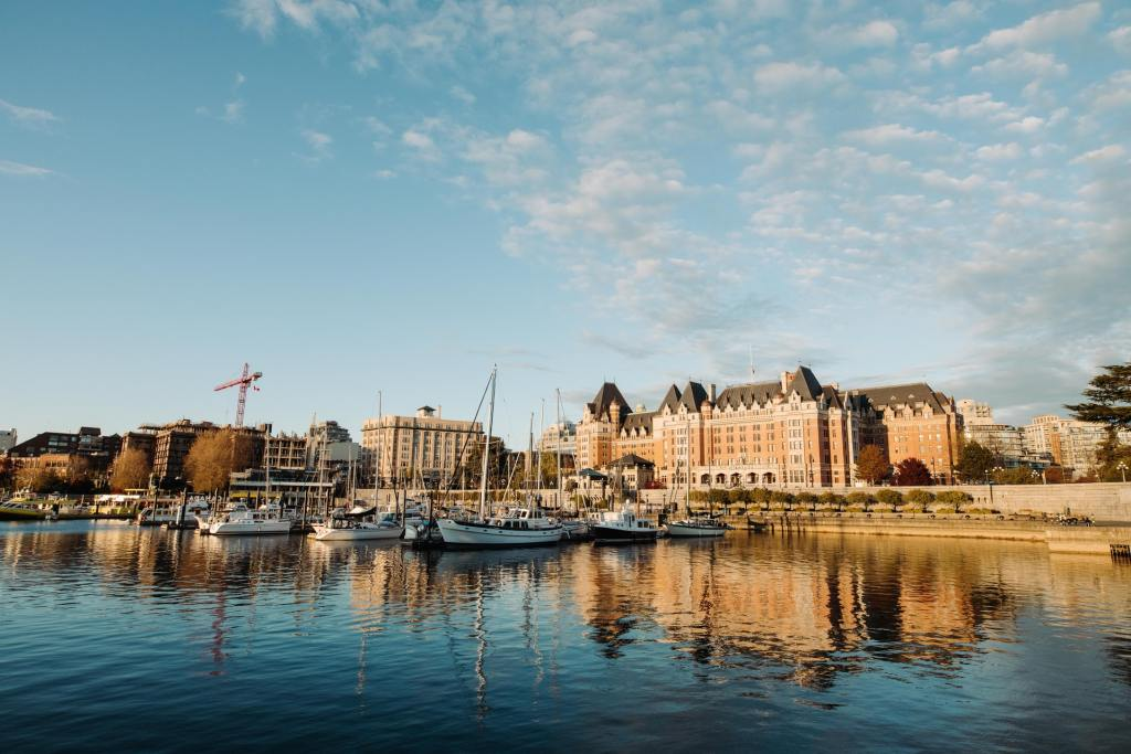 The harbour in Victoria BC, an easy weekend getaway from Vancouver