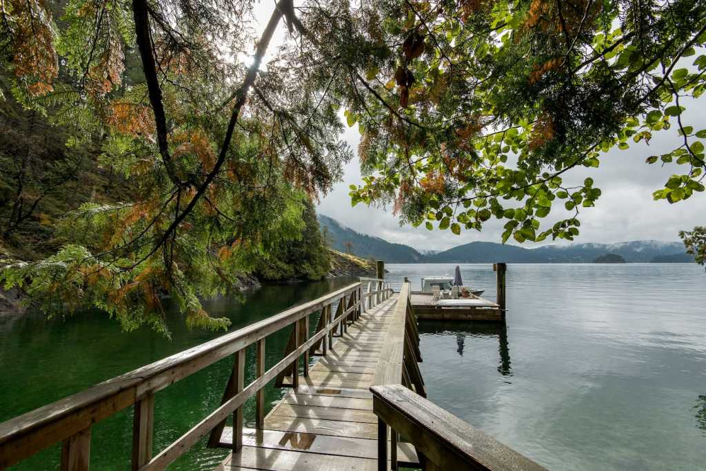 Fernless Cove Cabin near Vancouver