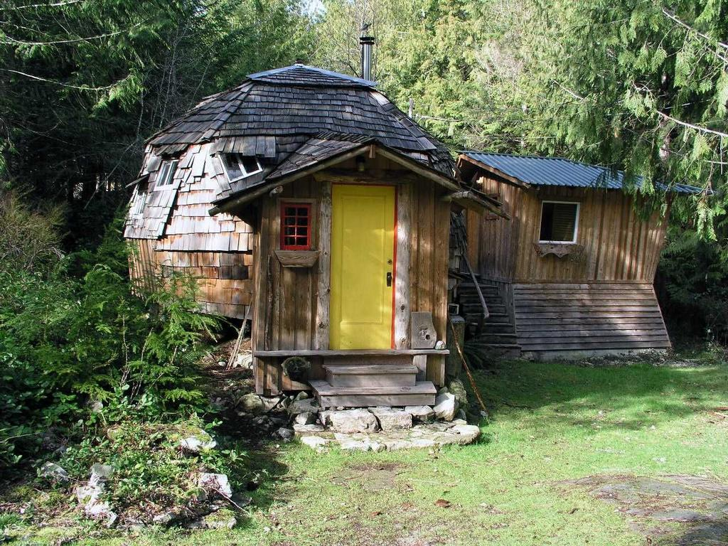 Magical Dome cabin in Lund, BC on the Sunshine Coast