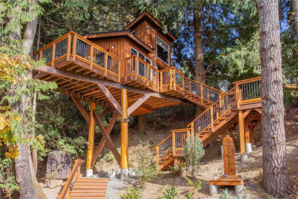 Owl's Perch Treehouse cabin on Vancouver Island