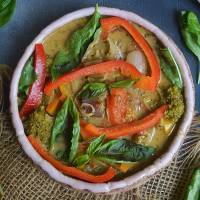 Thai Green Curry with Vegetables (Instant pot + Stovetop)