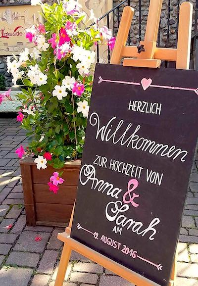 Hochzeitsschilder  Wegweiser  HAPPILY EVER AFTER
