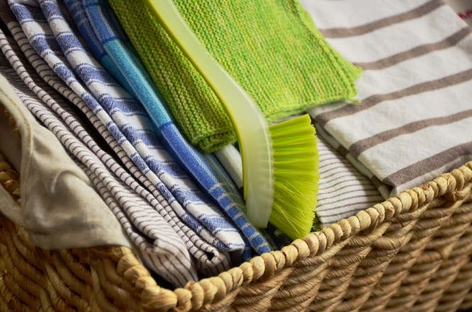 7 Tips for Organizing Your Tea Towels and Other Kitchen Materials