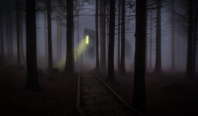 How to Survive Halloween Haunted Houses