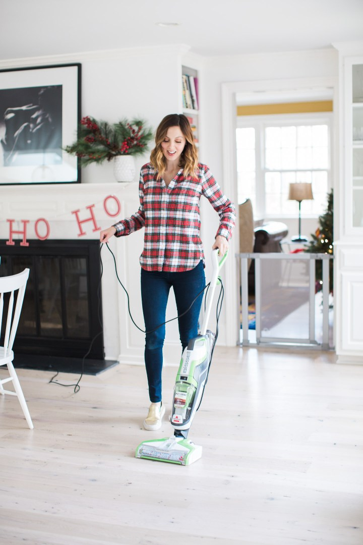 Eva Amurri Martino prepares her home for a holiday party using the bissell crosswave cleaning system