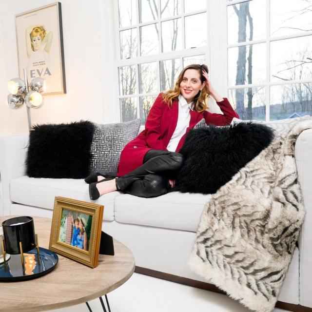 Living Room Styling 101 is on HappilyEvaAftercom today! Check outhellip