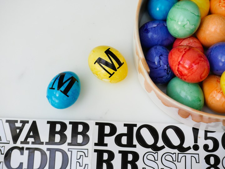 Eva Amurri Martino personalizes Easter Eggs for her children