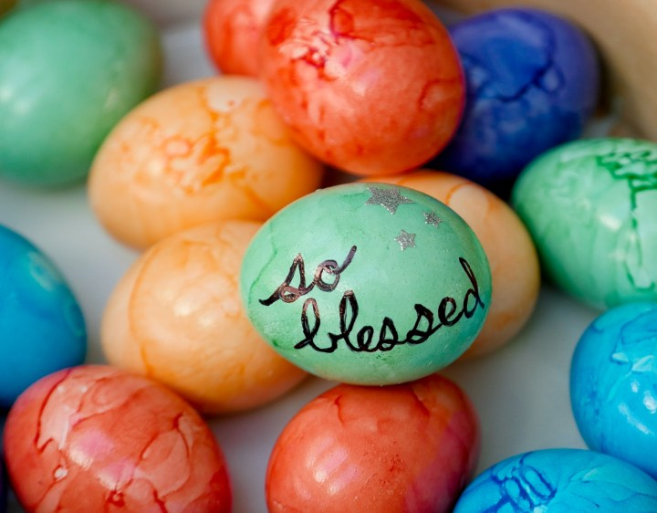 Eva Amurri Martino decorates vibrant easter eggs for her children's Easter Baskets