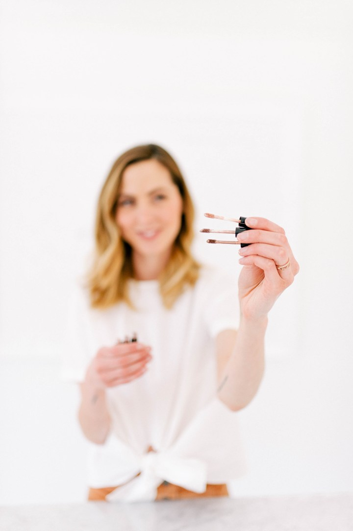 Eva Amurri Martino shares her favorite liquid shimmer shadows as part of her monthly obsessions post