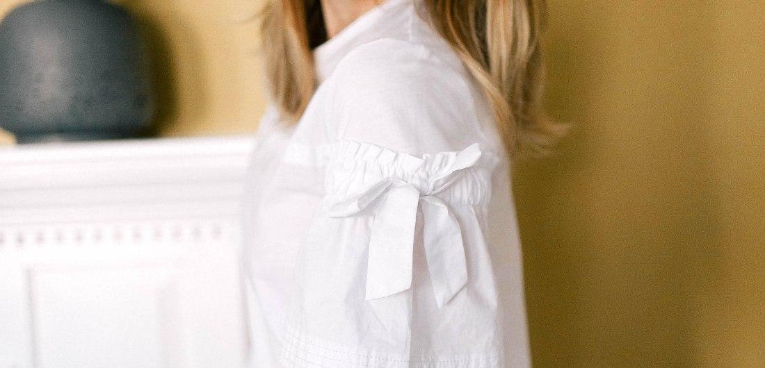 Eva Amurri Martino wears a classic crisp white top