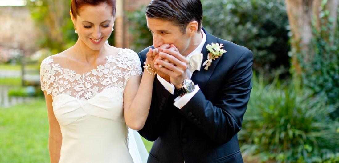 Kyle Martino sweetly kisses his bride Eva Amurri