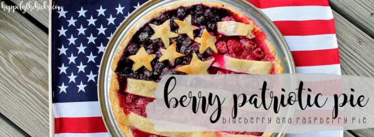 Berry Patriotic Pie | read more at happilythehicks.com