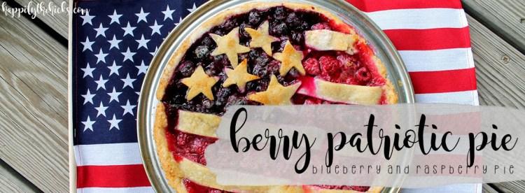 Berry Patriotic Pie | read more at happilythehicks.com