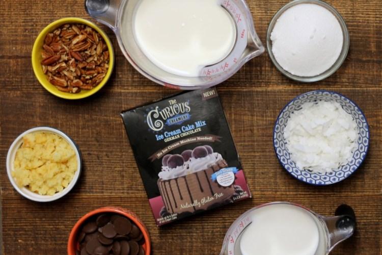 Ice Cream Cake Pops | read more at happilythehicks.com