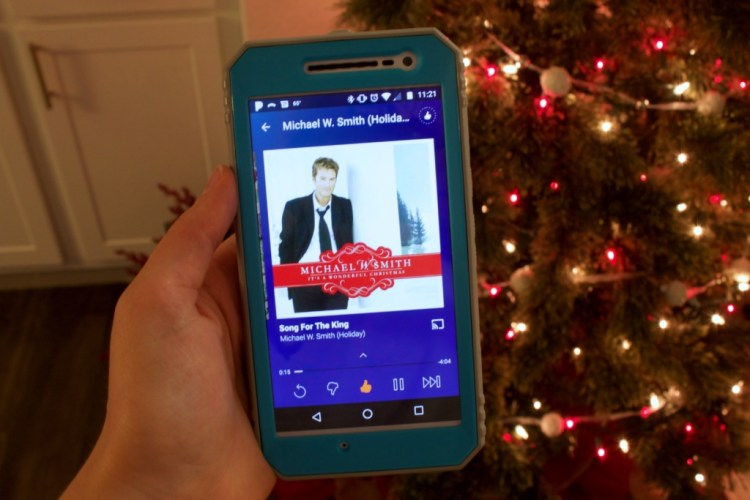 My Favorite Christmas Traditions   read more at happilythehicks.com