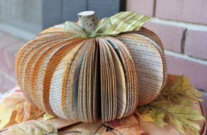 Thanksgiving Decorations | read more at happilythehicks.com