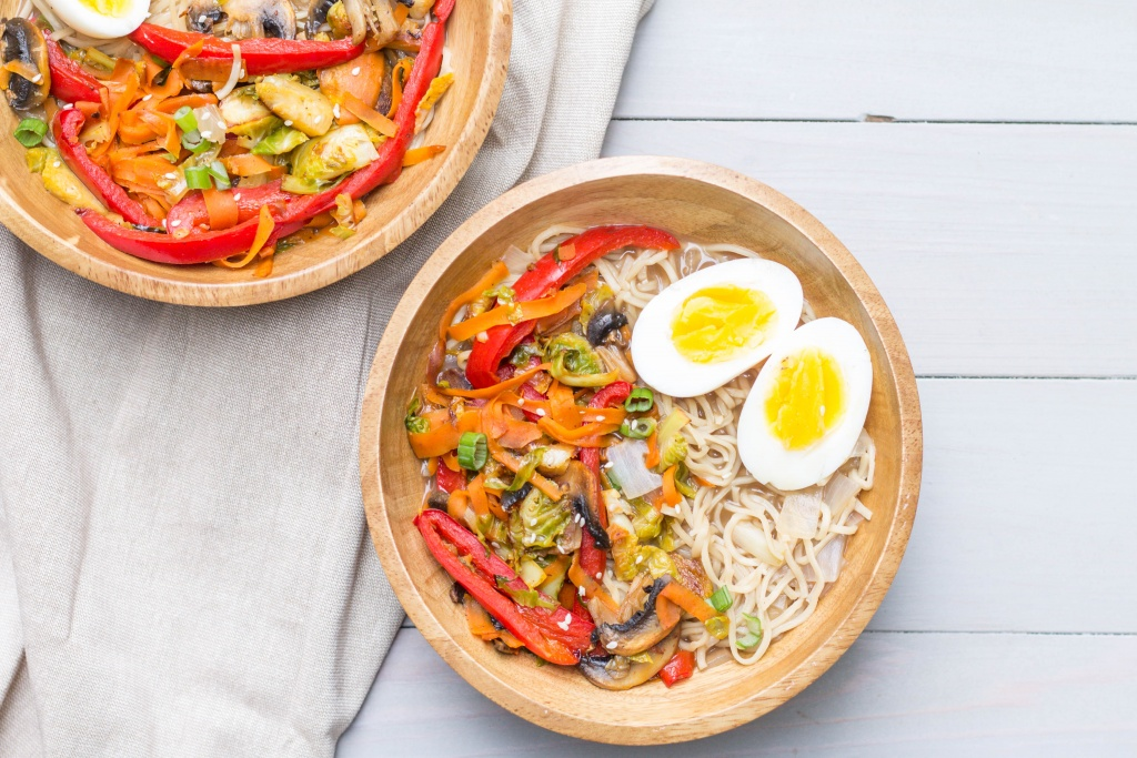 Looking for an easy weeknight meal to try? This homemade ramen is the recipe for you!   read more at happilythehicks.com