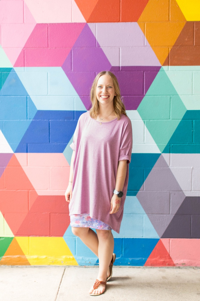 Go back to school shopping with LuLaRoe- Oversized Irma and Cassie! | read more at happilythehicks.com
