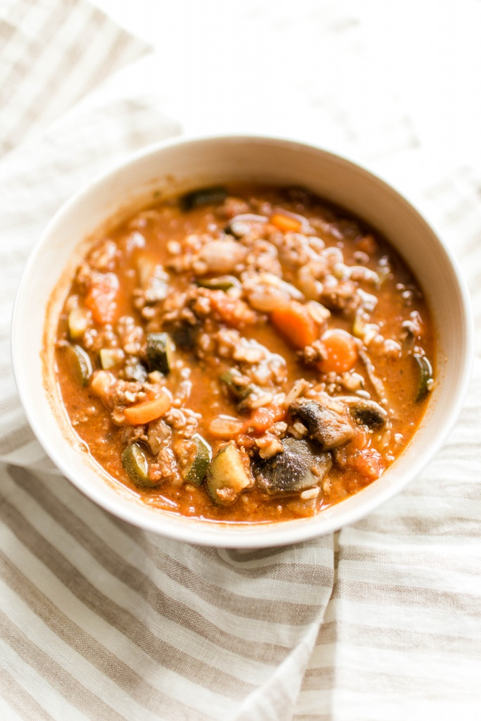 Beef and Veggie soup- perfect for cold winter nights! | read more at happilythehicks.com