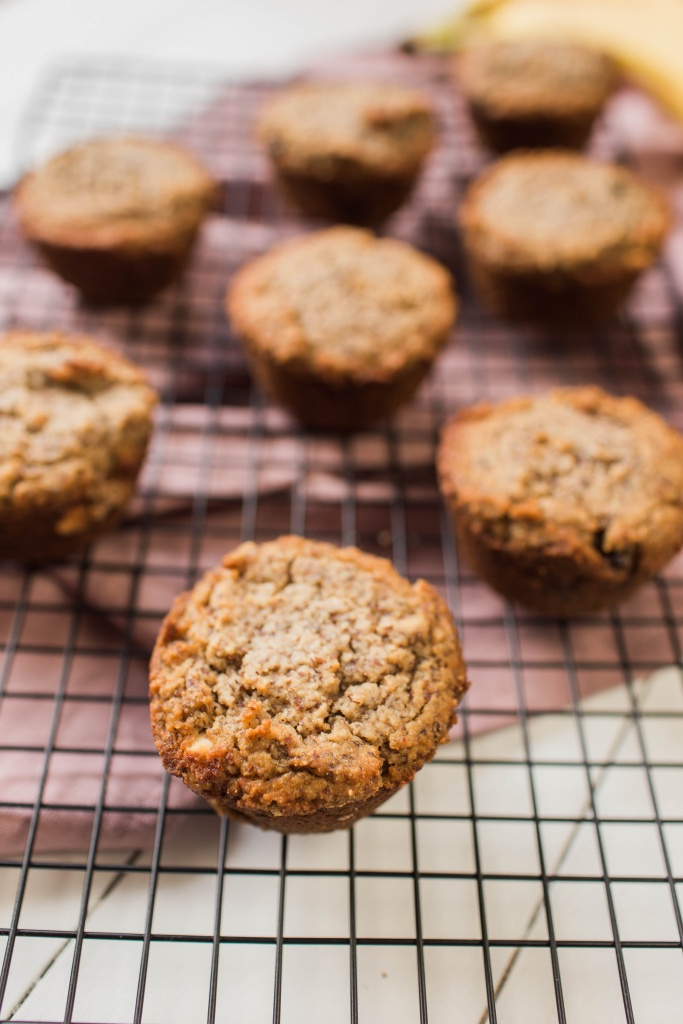 Paleo Banana Bread Muffins | read more at happilythehicks.com