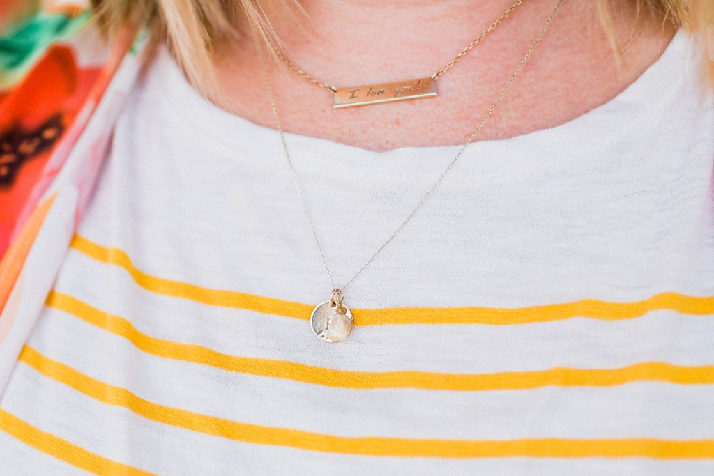 Six must-have items for every mom! Featuring my favorite products from Sseko Designs. | read more at happilythehicks.com