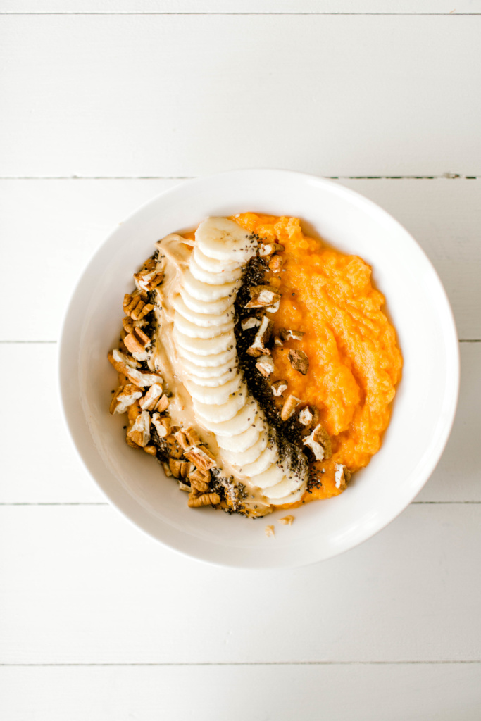 Sweet Potato Bowl - Whole30 approved meals | read more at happilythehicks.com