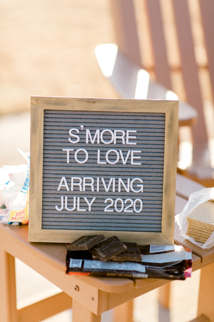 S'more to Love Pregnancy Announcement | read more at happilythehicks.com