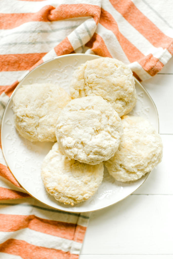 Ultimate Fluffy Biscuits | read more at happilythehicks.com