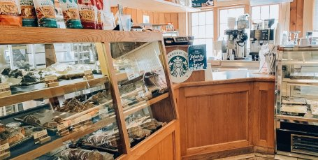 Eagle Ridge Resort Galena, IL - General Store Starbucks