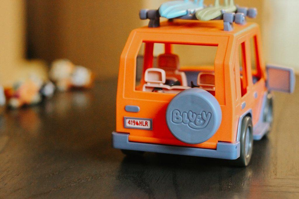 bluey family heeler vehicle by moose toys