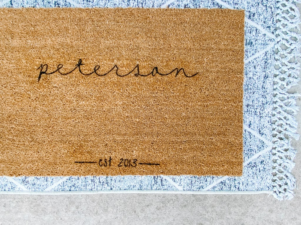 how to make an easy, DIY Doormat with the Cricut Joy