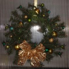 wreathbluegreenballsgoldribbon