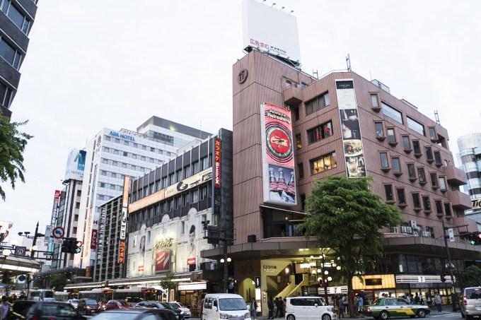 北陸最大の歓楽街金沢片町の交差点