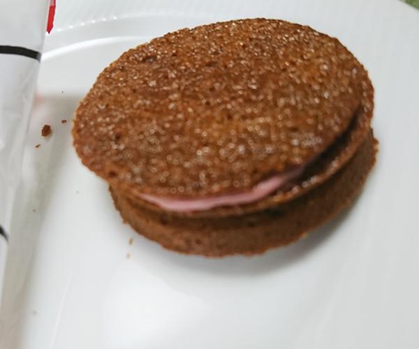 いちごサンドクッキー