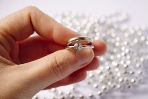 カルティエ 結婚 指輪 ストレート