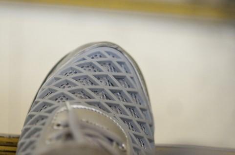 【閲覧注意】久しぶりにいっぱい歩いたら、ひどい靴擦れで足の裏におっきな水ぶくれができて痛い目に