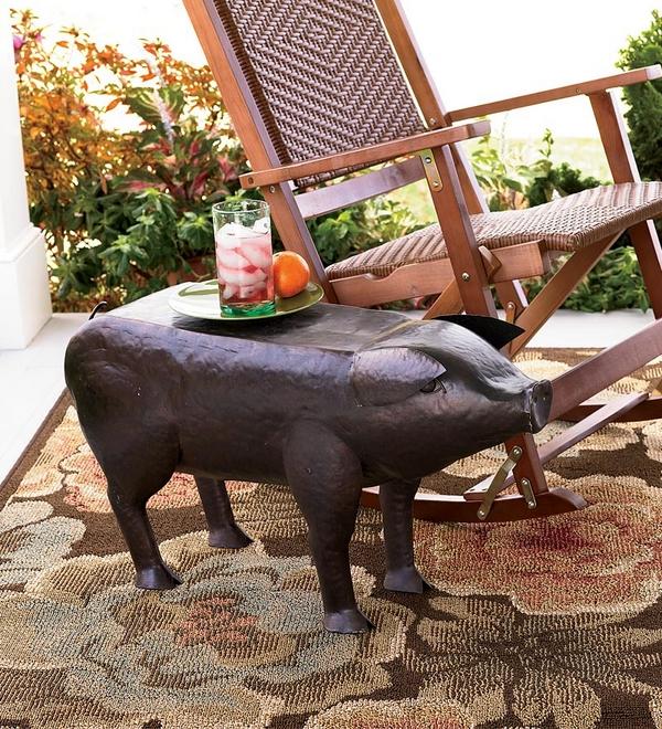 Градински-маси-в-уникални-форми-на-животни-прасенце