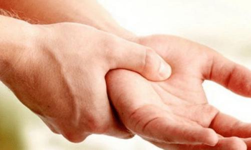 дясната ръка сърби - поличба за пари