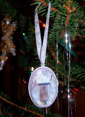 patera birdhouse ornament