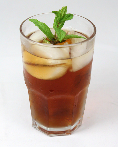 iced green tea infused with spearmint