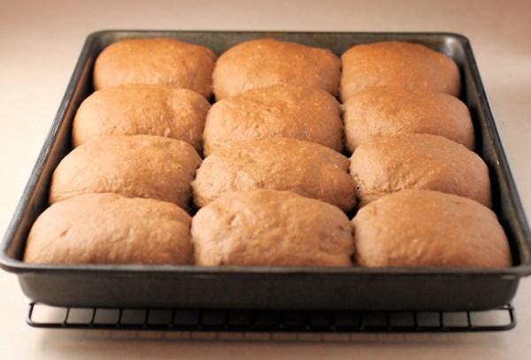 dark rye buns