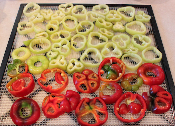 sliced bell peppers for drying