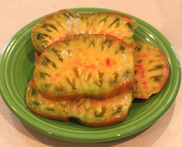 sliced Captain Lucky tomato