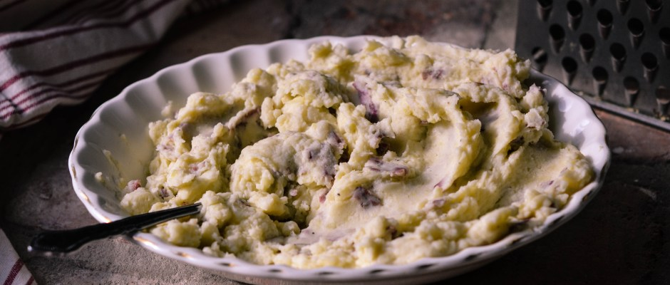 Grandma's Garlic Mashed Potatoes