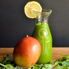 mango-lemon-kale-spinach-smoothie-0188