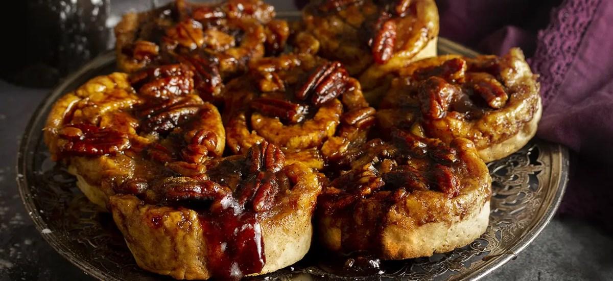 Maple & Butter Pecan Cinnamon Buns