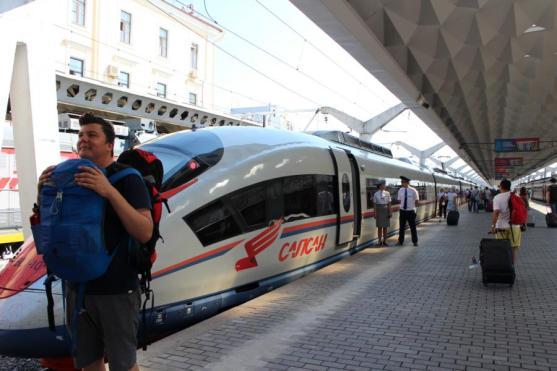 Mit dem Schnellzug Sapsan nach Moskau