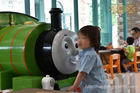 富士急ハイランド トーマスランド 無料 2歳児 レストラン お土産 内部 トーマスレストラン