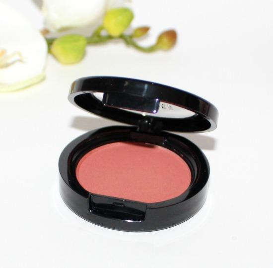 blush berange make up
